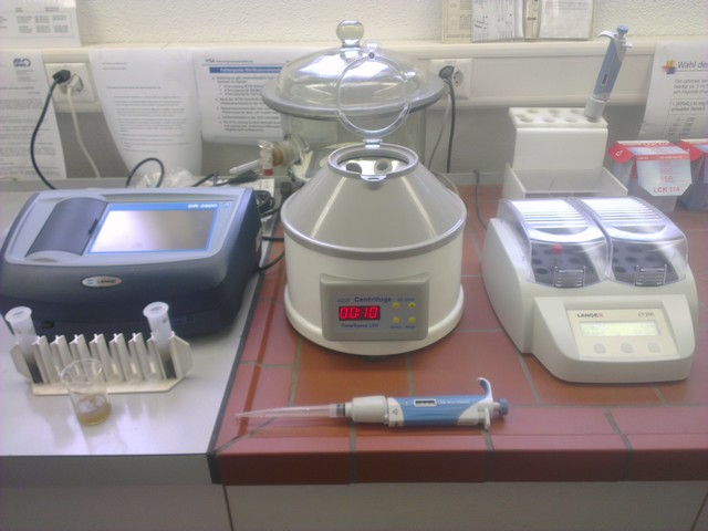 Labor Zentrifuge, Thermostat und Photometer